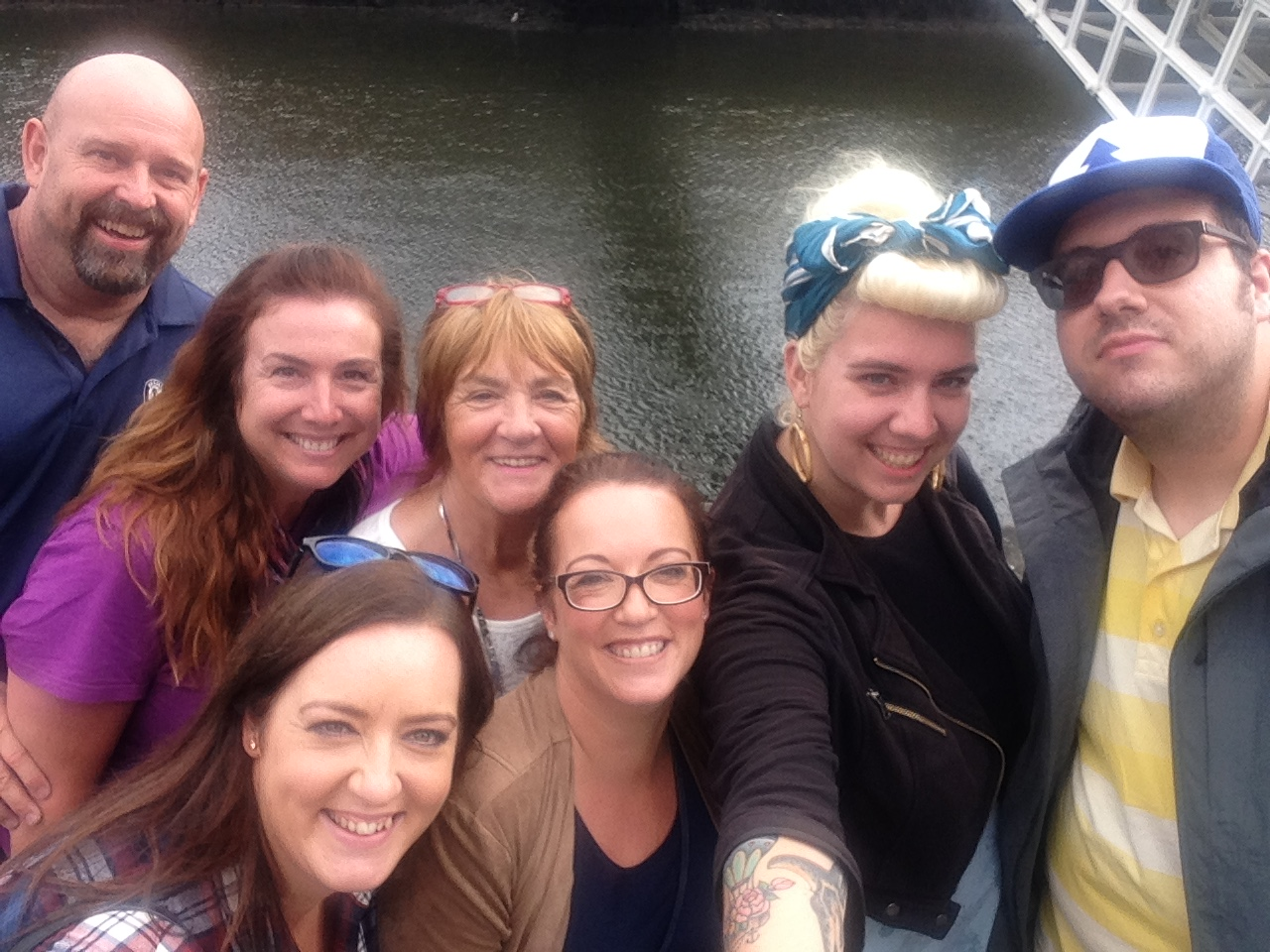 river-liffey-ireland-dublin-family
