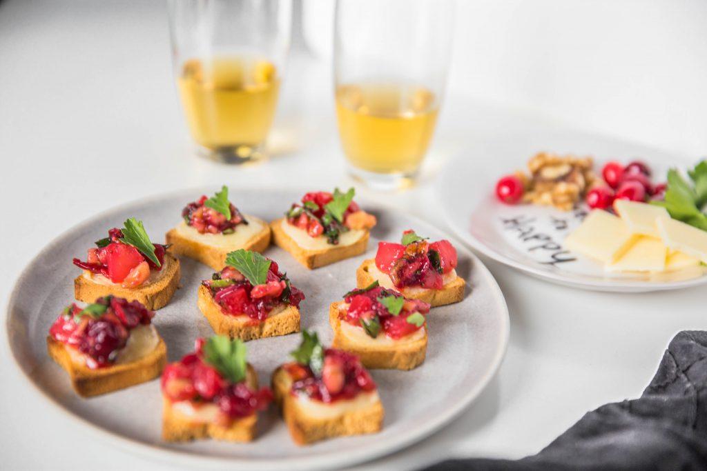 Cheddar Cranberry Chutney Crostini-2