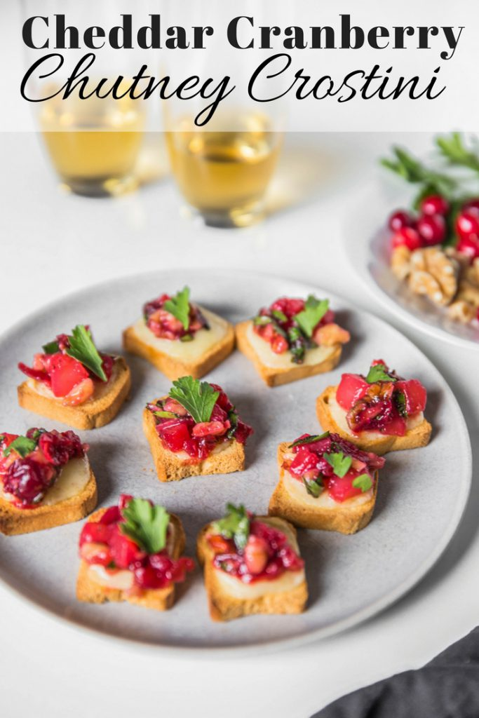 Cheddar Cranberry Chutney Crostini Pin