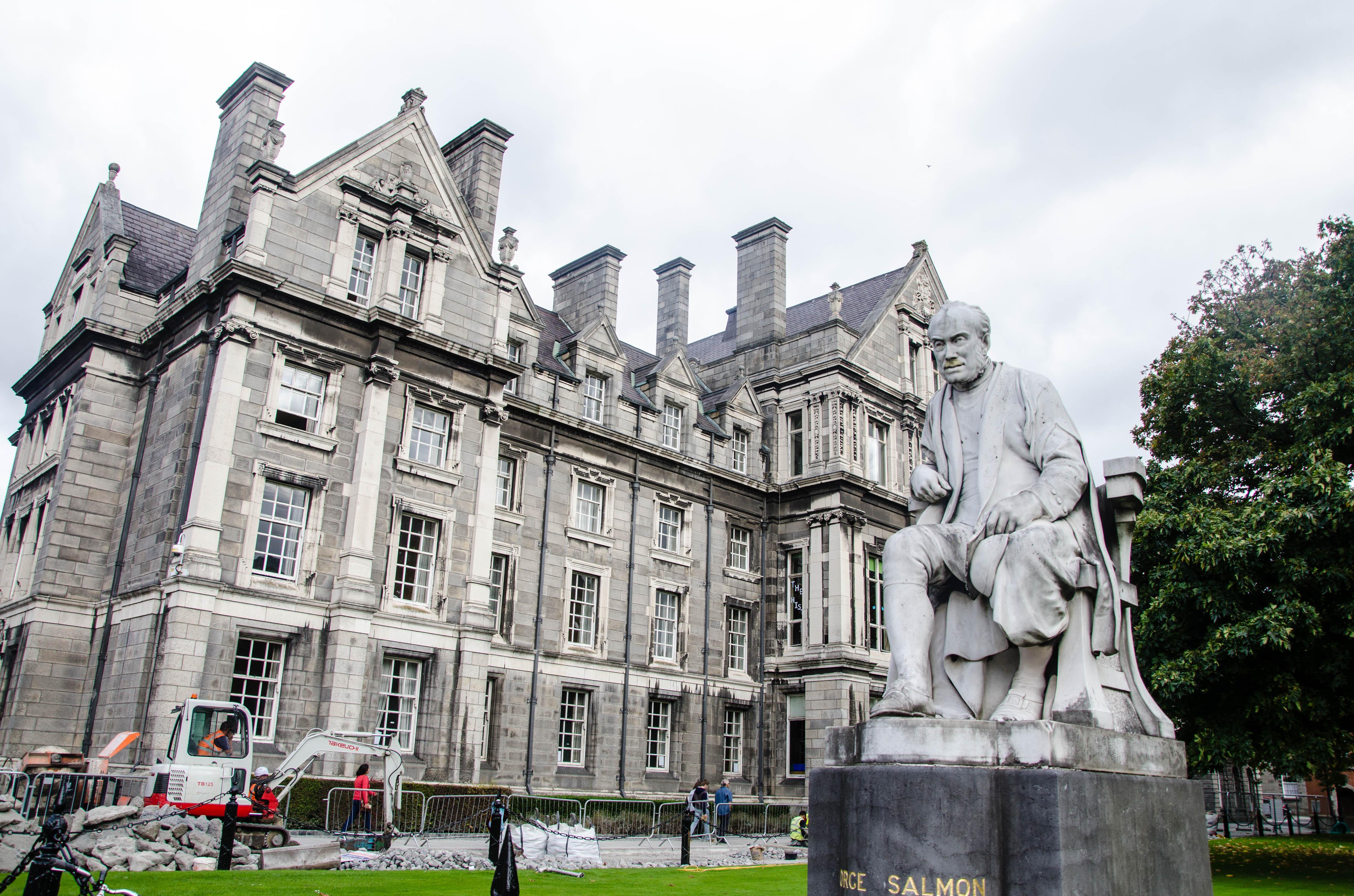 ireland-dublin-trinity-college