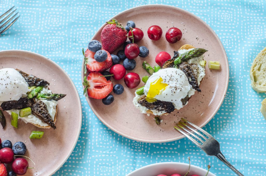 Ricotta Toast with Asparagus and Morels-1